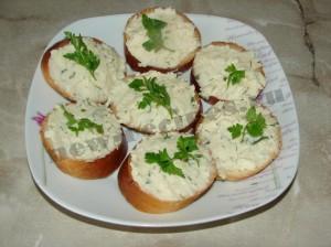 Бутерброды с сырно-чесночной пастой