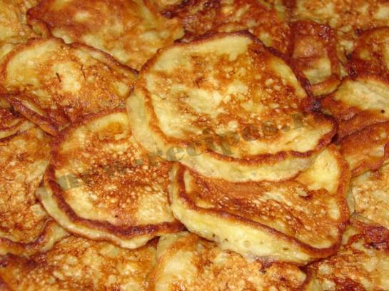 Банановые оладьи на молоке — рецепт с фото пошагово
