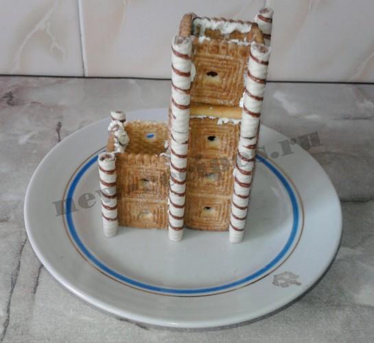 Домик из печенья 8