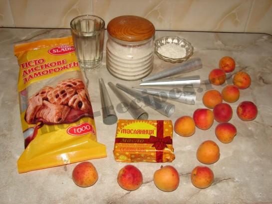 Пирожное трубочка с абрикосовым кремом 1