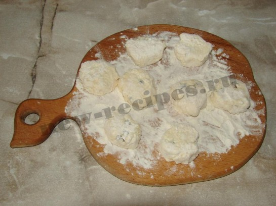 Сырники с изюмом 5
