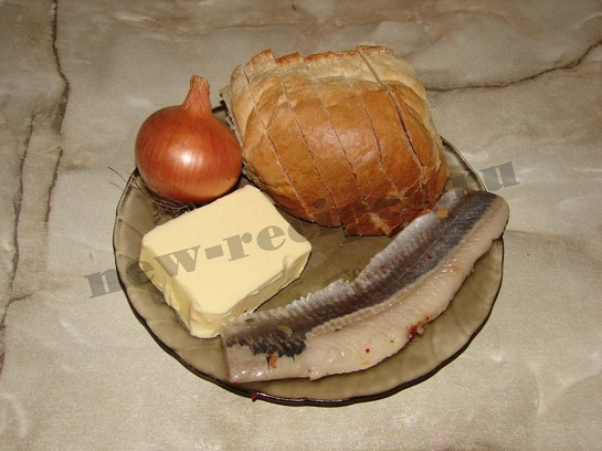 Бутерброд с селёдкой 1