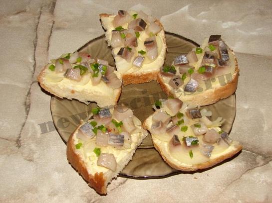Бутерброд с селёдкой 7