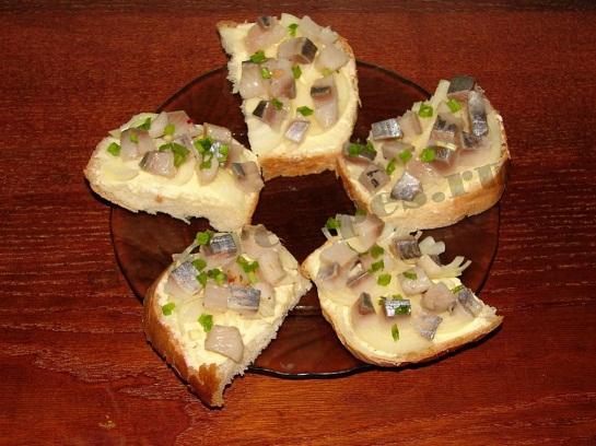 Бутерброд с селёдкой