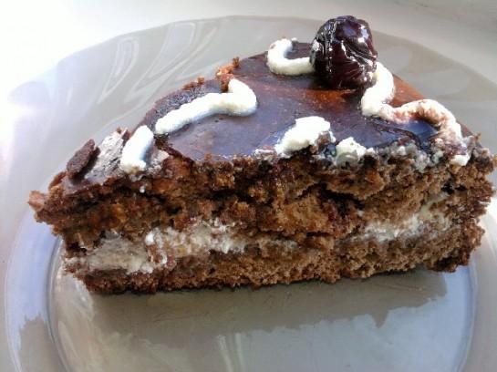 торт сердце шоколадный бисквит