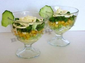 Вкусный салат в креманках