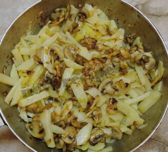 жареная картошка с грибами 6