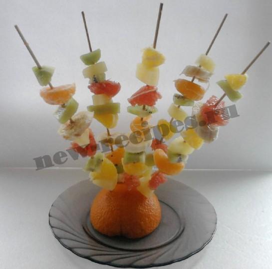 фрукты на шпажке фото