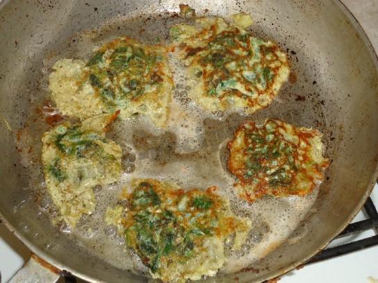 весенний рецепт оладьи из крапивы 10