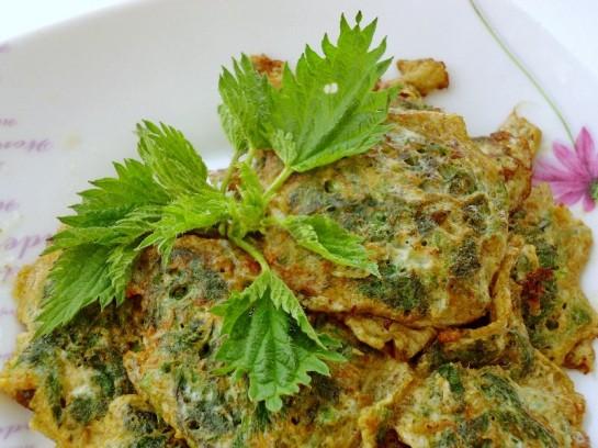 весенний рецепт оладьи из крапивы 11
