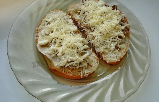 горячие бутерброды с грибами 11