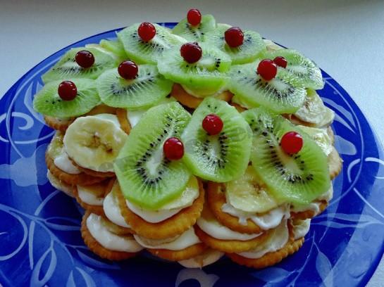 И простой торт из крекера и бананов
