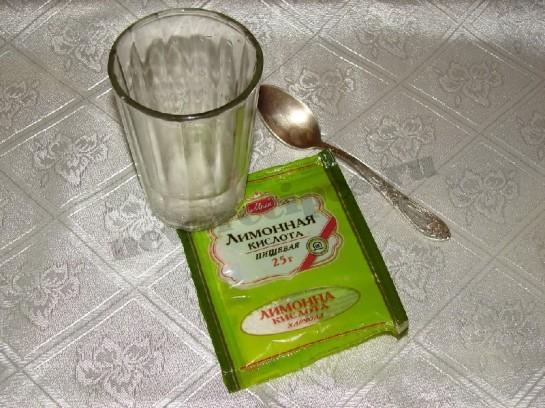 разведём лимонную кислоту водой