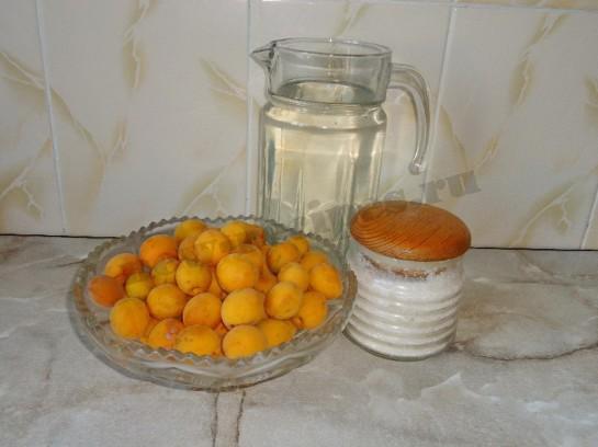 абрикосовый компот 1