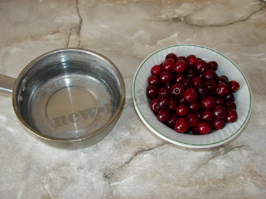 подготовим вишни и воду