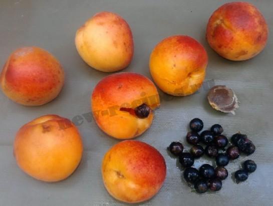 варенье из абрикос и смородины 1