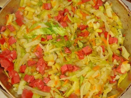 вкусное рагу с колбасой 7