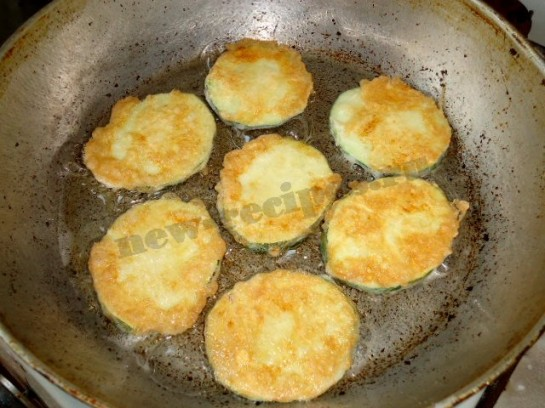 как пожарить кабачки в яйце