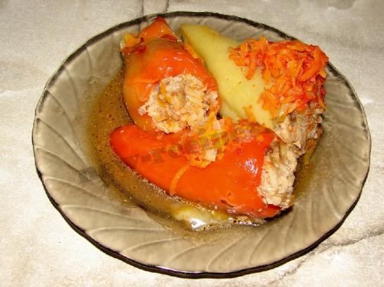 """Фаршированный перец """"Плотный завтрак"""" – кулинарный рецепт"""