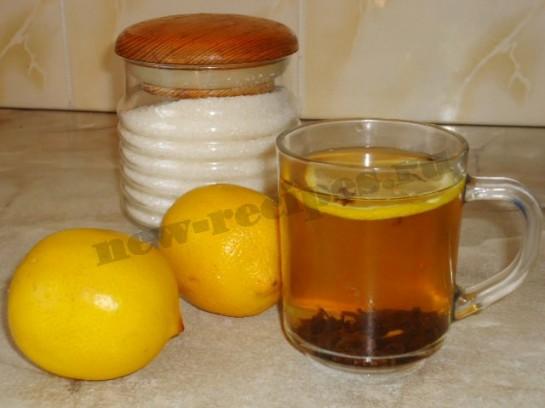 вкусный напиток чай с лимоном