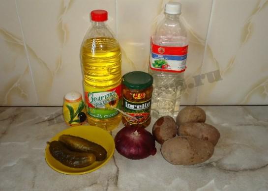 вкусный салат с грибами и соленым огурцом 1
