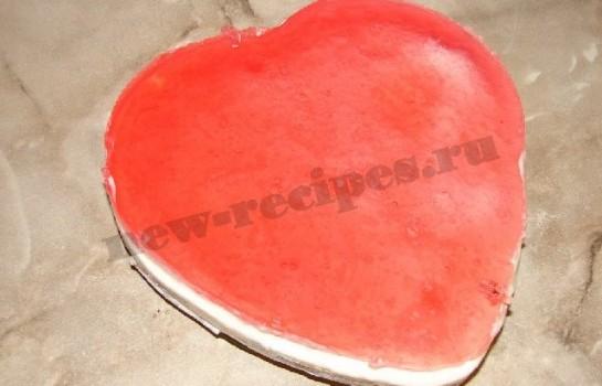 желейный десерт со сметаной и фруктами в виде сердца 10