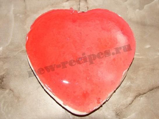 желейный десерт в форме сердца