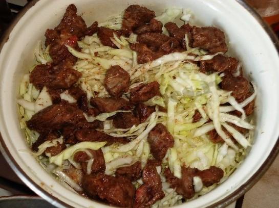 рецепт вкусной тушеной капусты с мясом 4