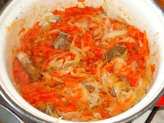 рецепт вкусной тушеной капусты с мясом 9
