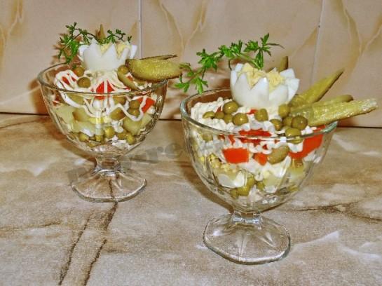 салат оливье в креманках