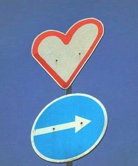 дорожный знак в виде сердца