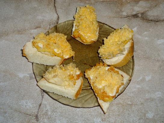 посыпаем тёртым сыром