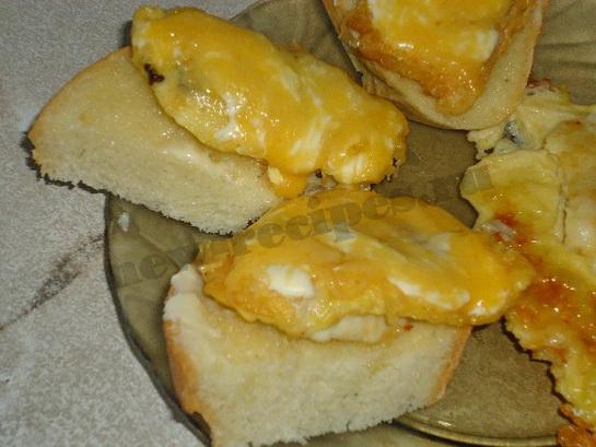 горячие бутерброды с рыбой готовы