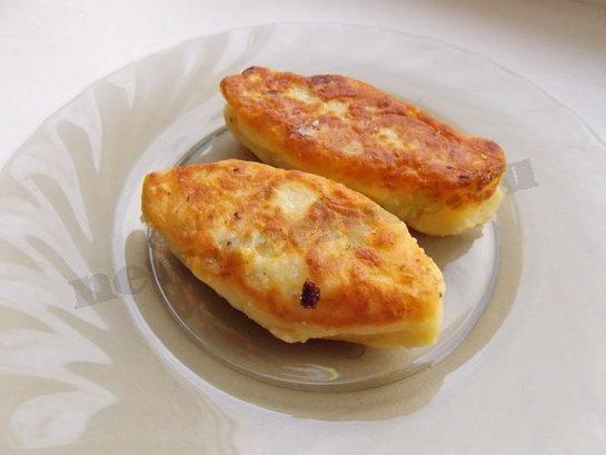 готовые картофельные зразы выкладываем на тарелку