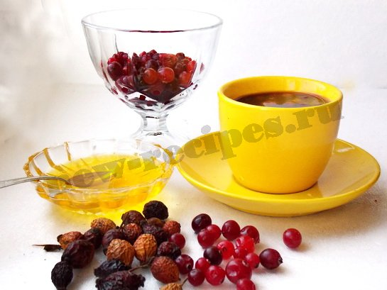 кофе с мёдом и ягодами
