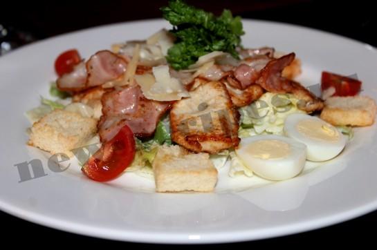 простой рецепт салата Цезарь с курицей