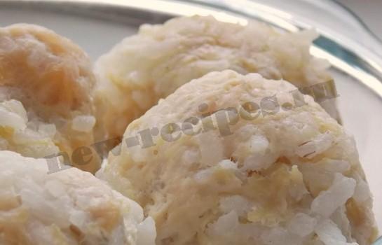куриные тефтели с рисом готовы
