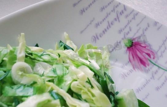 лёгкий овощной салат на скорую руку готов