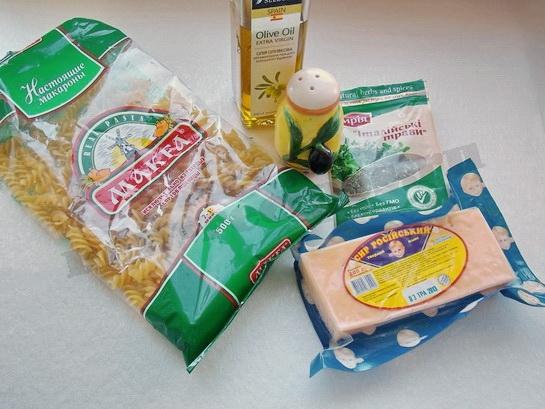 ингредиенты для пасты с сыром