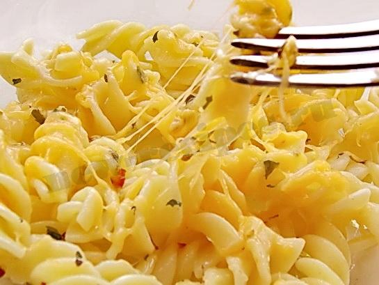 фузилли с сыром