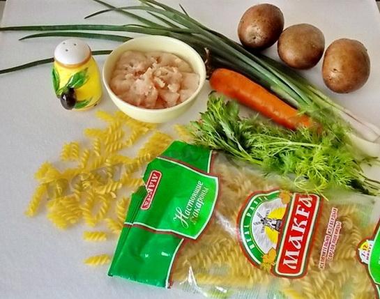 ингредиенты для супа с фрикадельками и макаронами