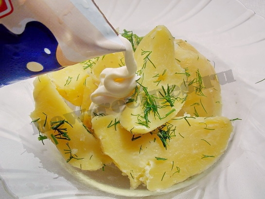 молодая картошка в сметане