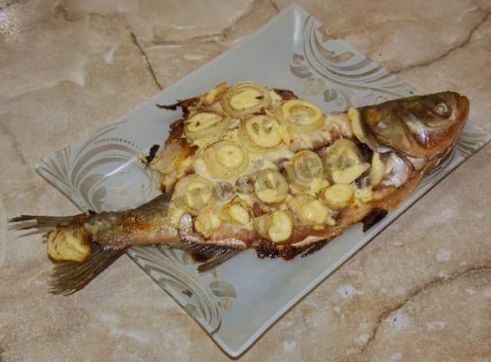 речная рыба запеченная в духовке