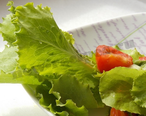 быстрый летний салат готов