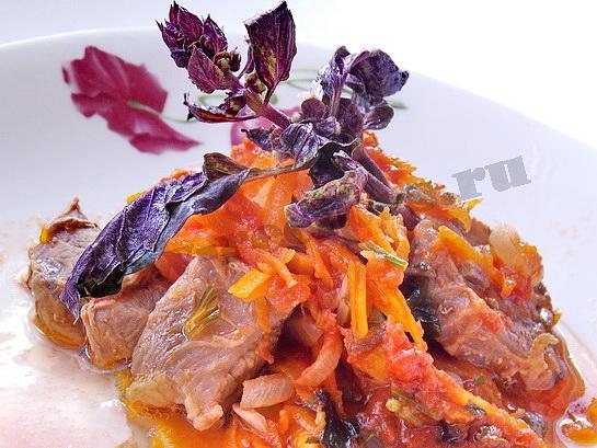 мясо с базиликом готово