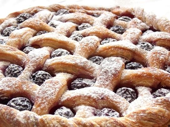 сладкий слоеный пирог с повидлом