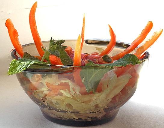 легкий летний салат из овощей