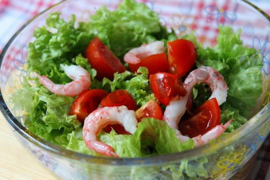 Диетический салат с креветками 4