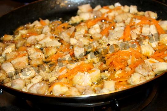 Рис с подливкой из куриного рулета 4
