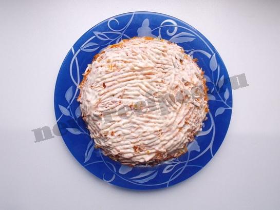 смазываем морковный слой майонезом